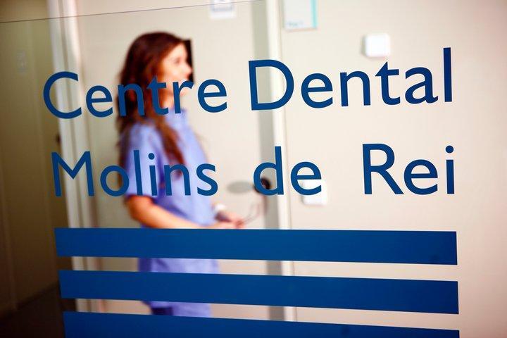 telefono dentista molins de rei