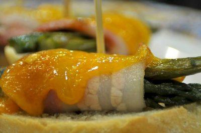 Bar restaurant Nou Coro Sant Feliu tapas, menú diario y pinchos esparragos trigueros con bacon