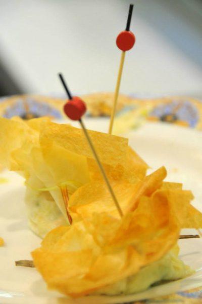 Bar restaurant Nou Coro Sant Feliu tapas, menú diario y pinchos saquito de pasta brie con gambas