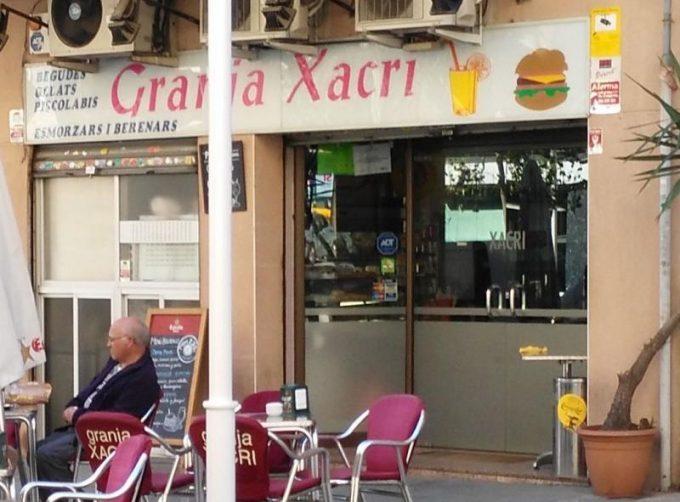 guia33-cornella-bar-cafeteria-granja-xacri-cornella-13481.jpg